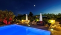 The night view over the swimming pool - dalmagic-cruise.com
